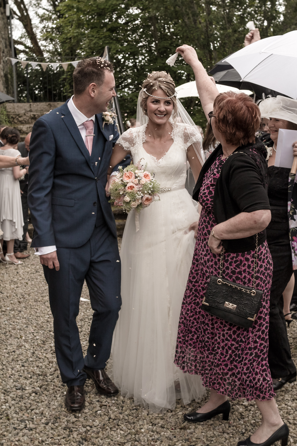 A Rustic Country Wedding at Knightor Winery - Image 18