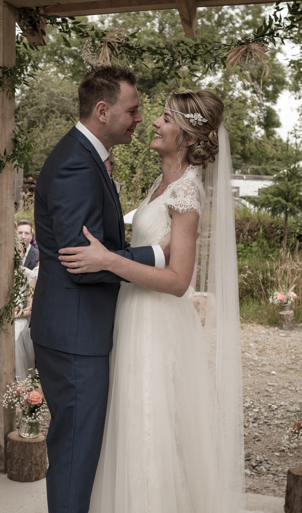 A Rustic Country Wedding at Knightor Winery - Image 17