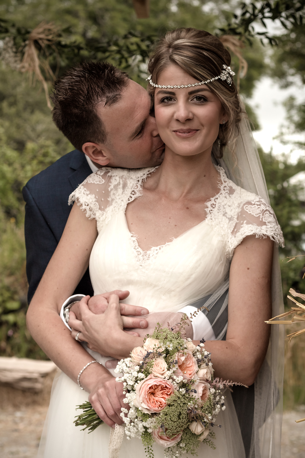 A Rustic Country Wedding at Knightor Winery - Image 23