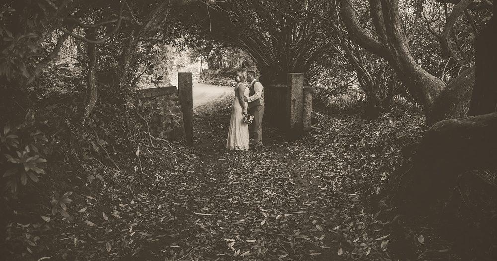 Hannah & Matt: Knightor Winery, Trethurgy, Cornwall