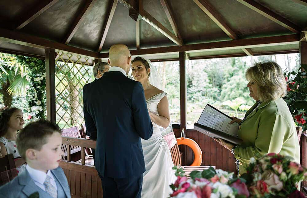 the-emerald-lakeside-ceremony-cornwall
