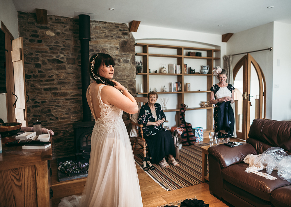 An English Country Tipi Wedding in North Cornwall Image 29 How do I look?