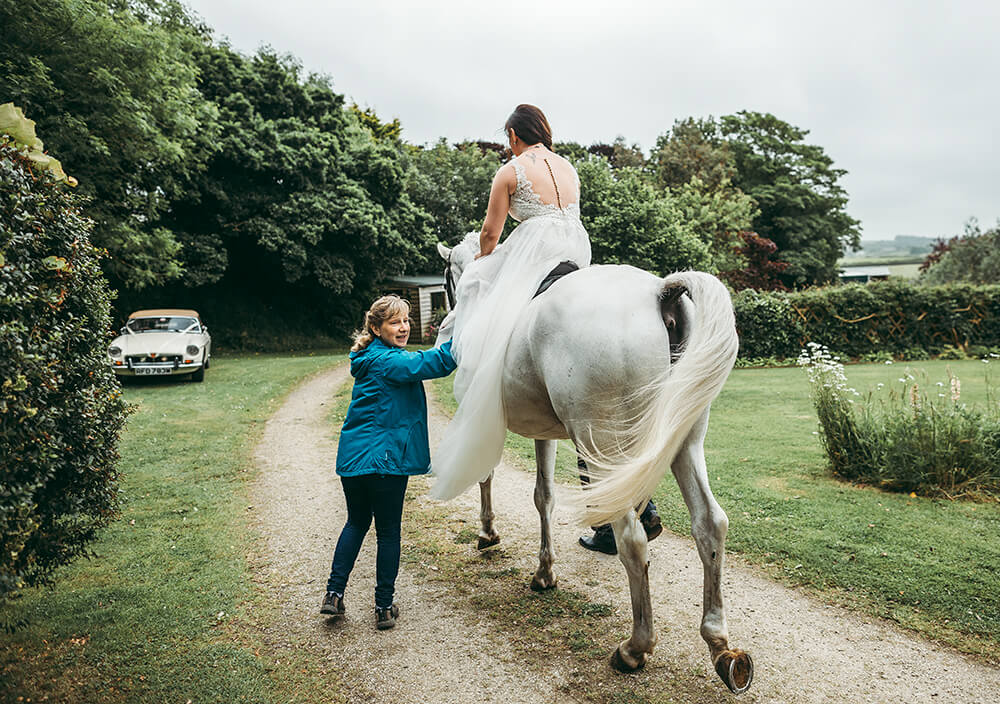 An English Country Tipi Wedding in North Cornwall Image 37 Ride away