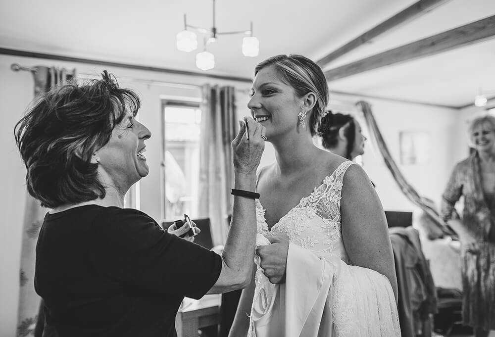 A coastal fort wedding at Whitsand Bay - Image 14