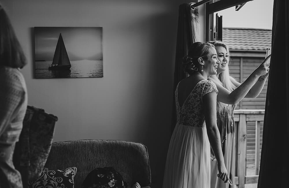 A coastal fort wedding at Whitsand Bay - Image 15