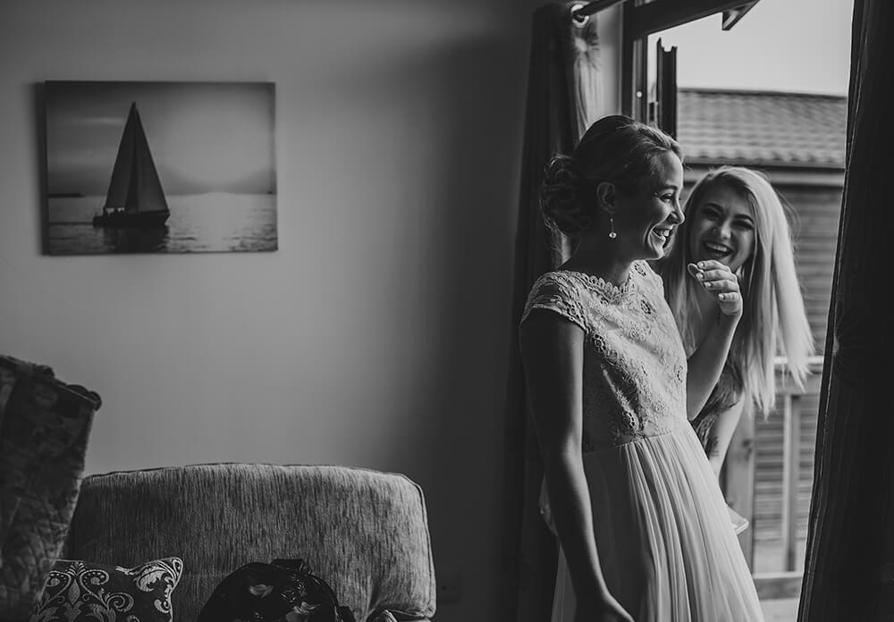 A coastal fort wedding at Whitsand Bay - Image 17