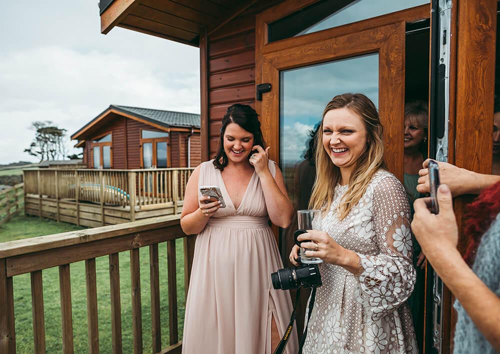 A coastal fort wedding at Whitsand Bay - Image 18
