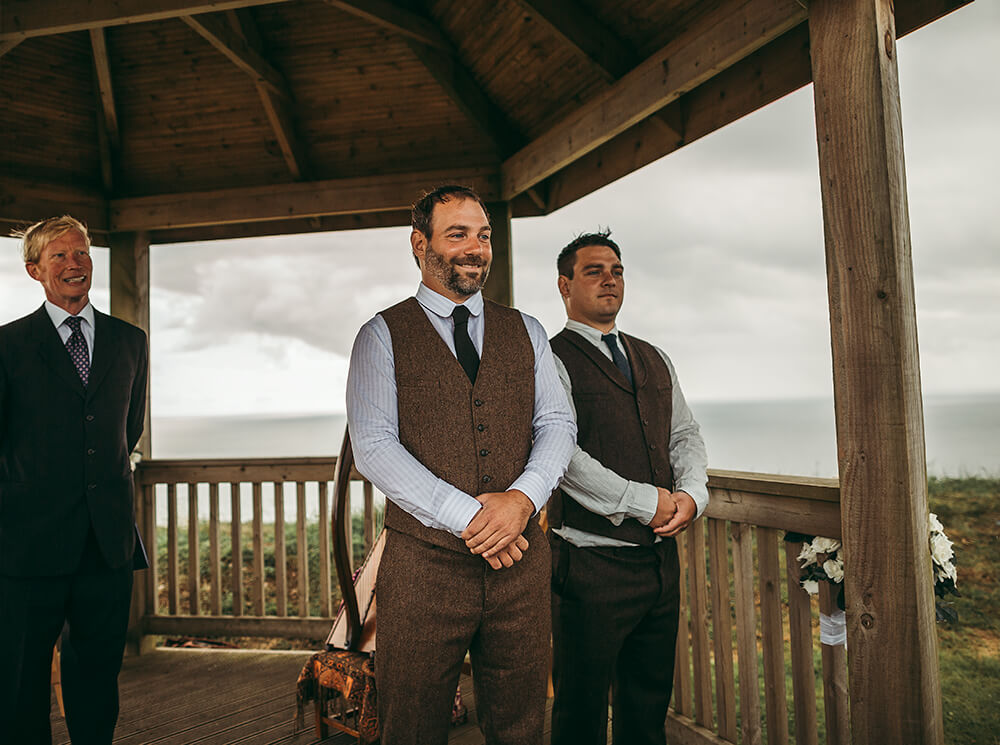 A coastal fort wedding at Whitsand Bay - Image 27