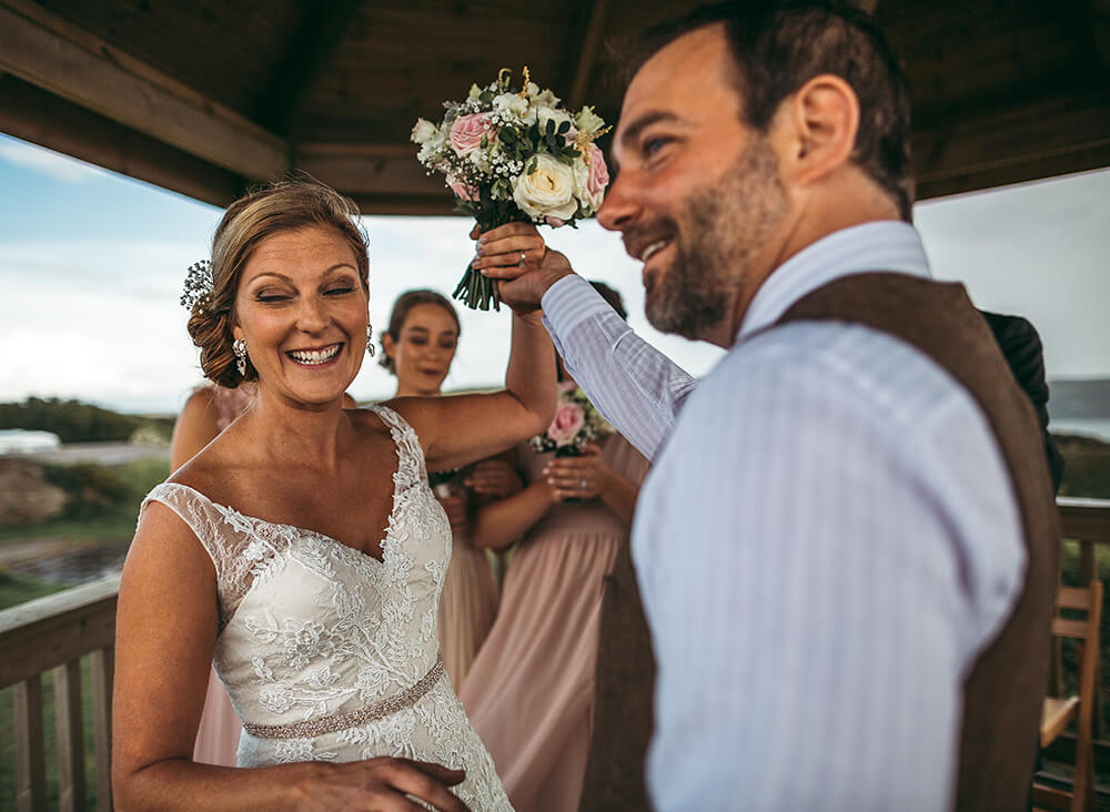 A coastal fort wedding at Whitsand Bay - Image 35