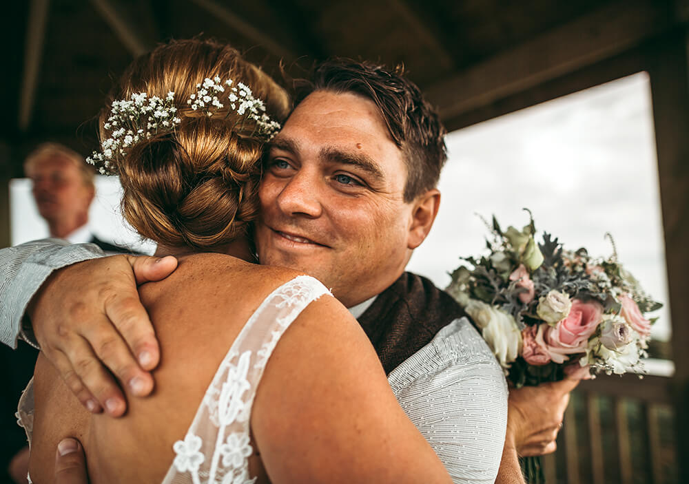 A coastal fort wedding at Whitsand Bay - Image 40
