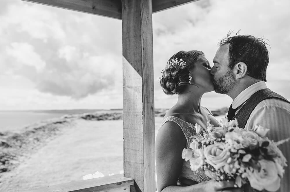 A coastal fort wedding at Whitsand Bay - Image 42