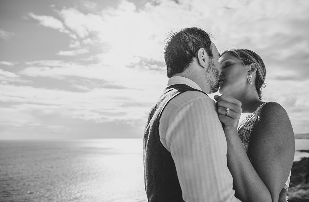 A coastal fort wedding at Whitsand Bay - Image 46