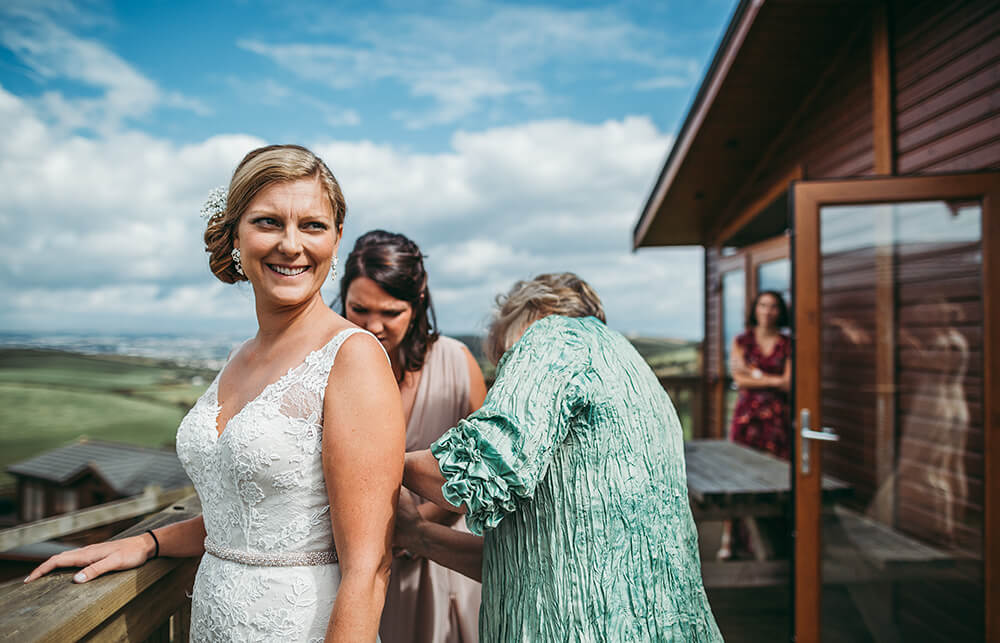 A coastal fort wedding at Whitsand Bay - Image 6