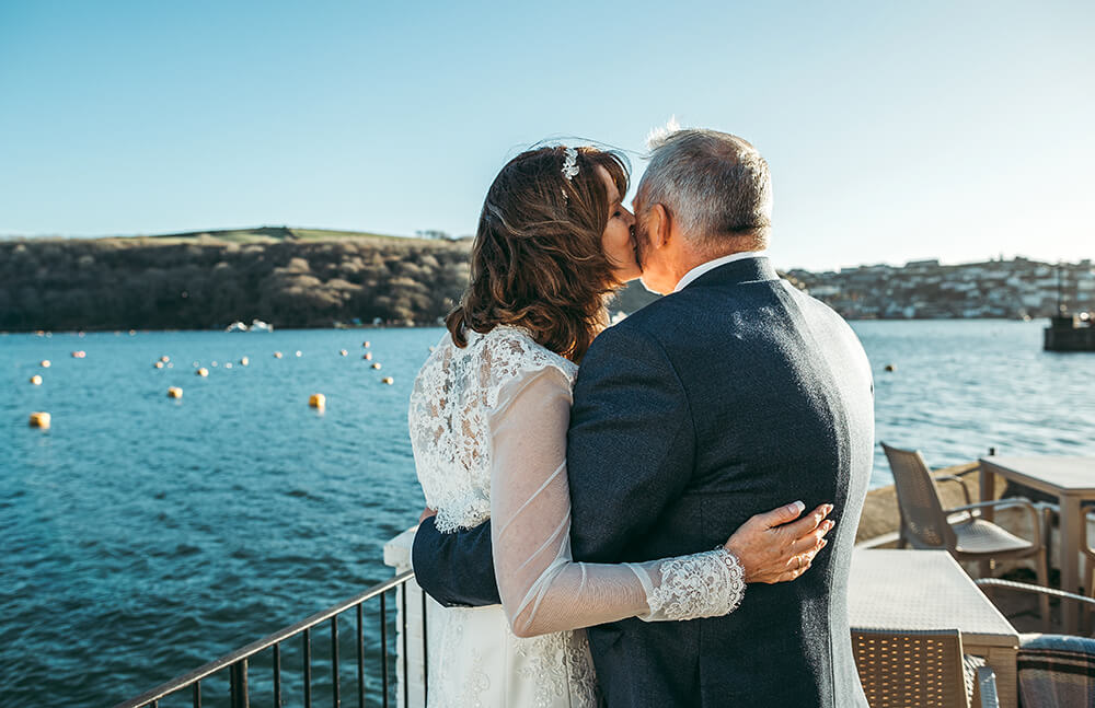A Fowey boutique wedding at The Old Quay House Hotel - Image 28