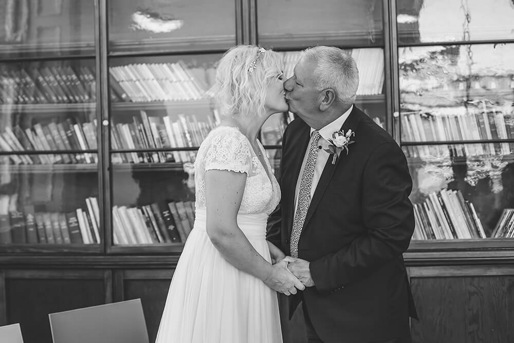 Penzance wedding photographer Tracey Warbey Photography - Image 16
