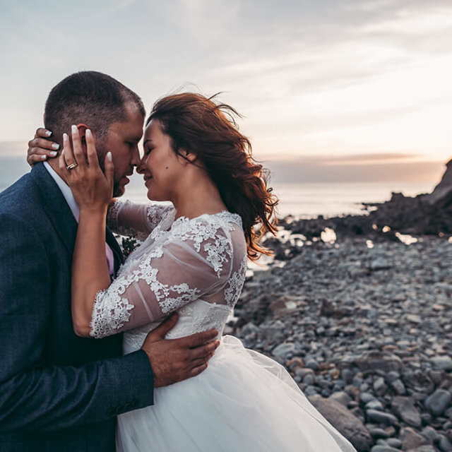 Rebeca & Harry's Morwenstow Wedding - A Preview