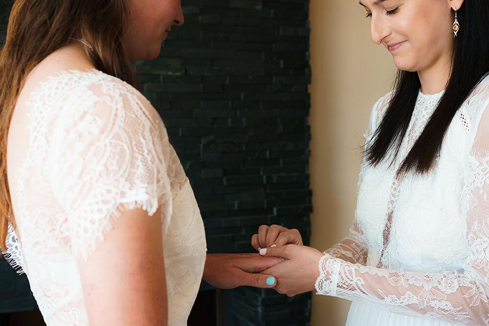 elopement beach wedding cornwall 11