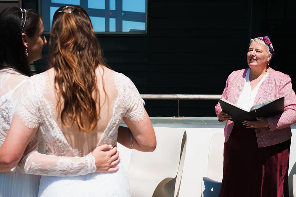 elopement beach wedding cornwall 18